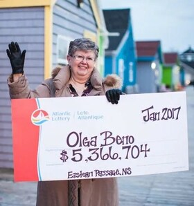 Canada Lotto 6/49 Winner Olga Beno