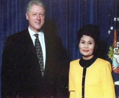 Lottery Loser Janite Lee with Bill Clinton